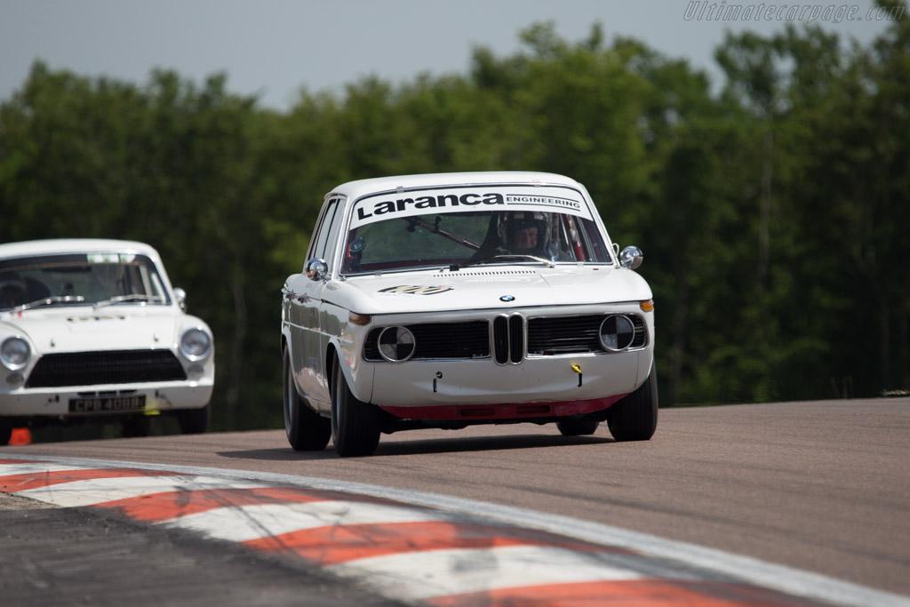 BMW 1800 TiSA - Chassis: 995193 - Driver: Richard Shaw / Jackie Oliver  - 2014 Grand Prix de l'Age d'Or
