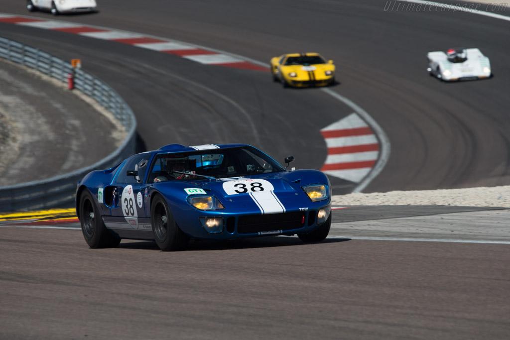 Ford GT40 - Chassis: GT40P/1062 - Driver: Hans Hugenholtz  - 2014 Grand Prix de l'Age d'Or
