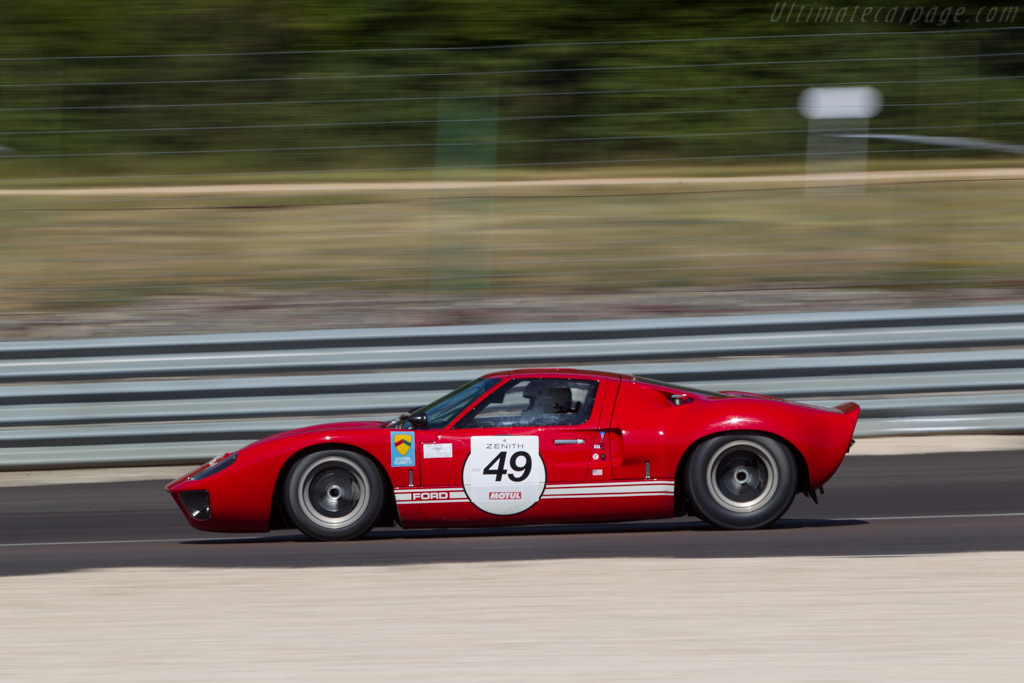Ford GT40 - Chassis: GT40P/1033 - Driver: Cire / Loup  - 2014 Grand Prix de l'Age d'Or
