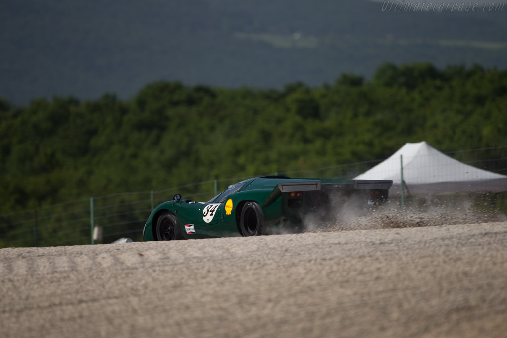 Lola T70 Mk3B Coupe - Chassis: SL76/147 - Driver: David Hart  - 2014 Grand Prix de l'Age d'Or