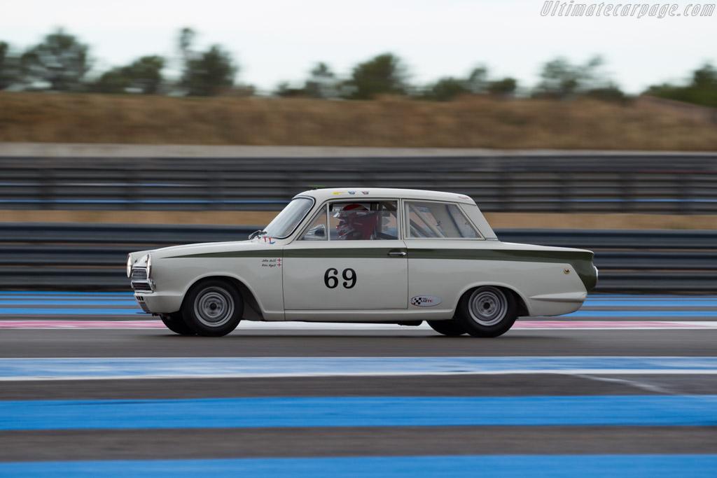 Lotus Cortina  - Driver: John Avill / Ross Hyett  - 2015 Dix Mille Tours