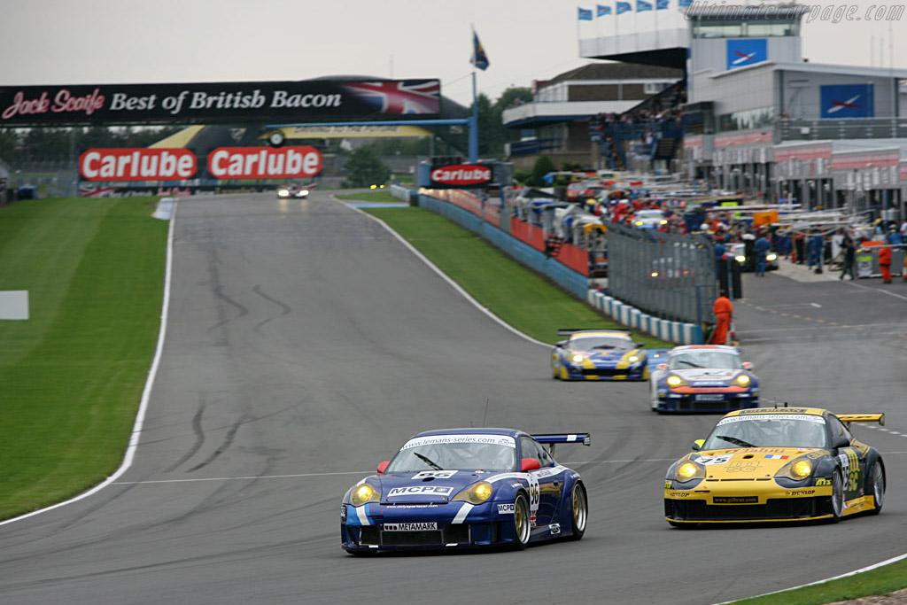 Porsche 996 GT3 RSR - Chassis: WP0ZZZ99Z4S693069c - Entrant: James Watt Automotive  - 2006 Le Mans Series Donnington 1000 km