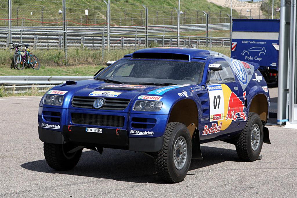 Volkswagen brought their dune racer    - 2007 DTM Zandvoort
