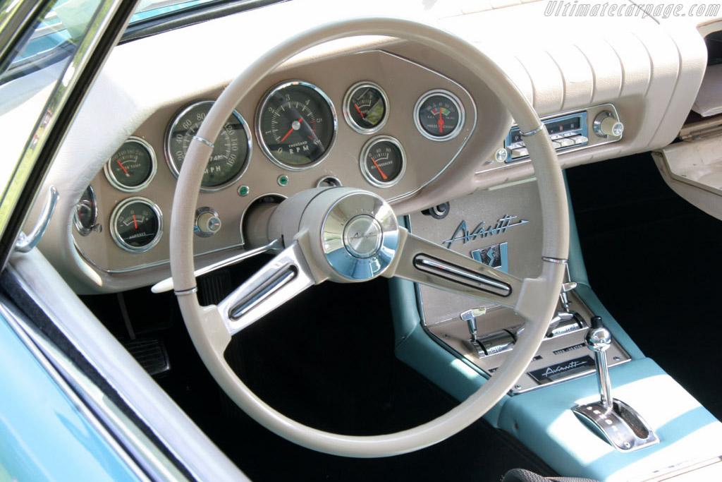 Studebaker Avanti II    - 2006 EyesOn Design