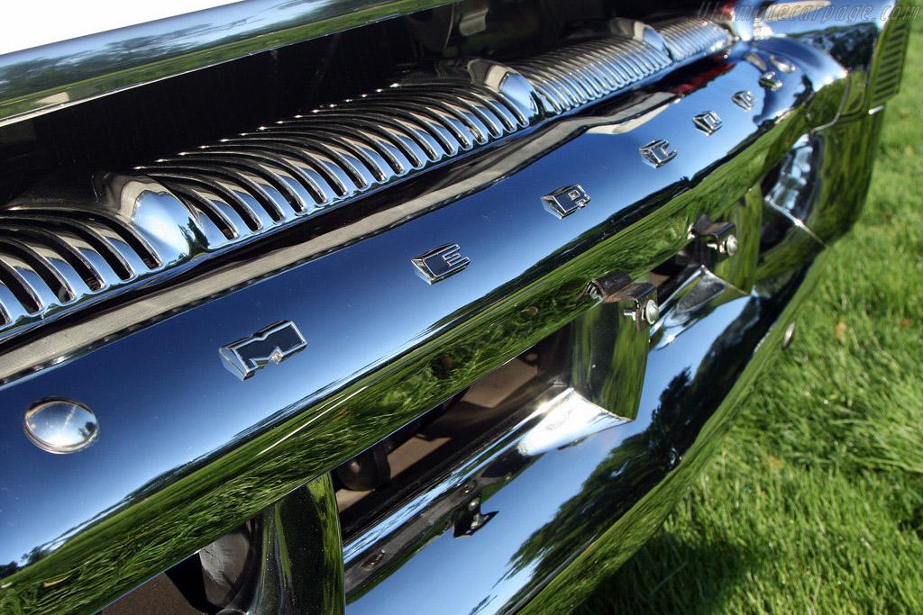 Windshield Wrapture: Mercury Montclair    - 2008 EyesOn Design