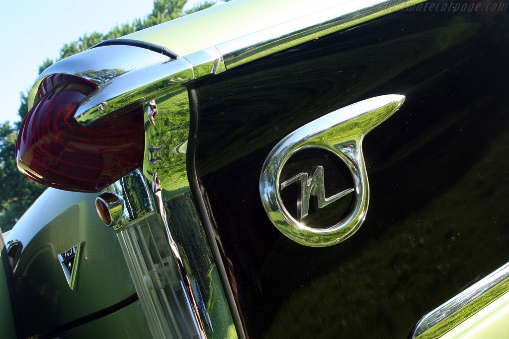 Windshield Wrapture: Nash Ambassador Custom    - 2008 EyesOn Design