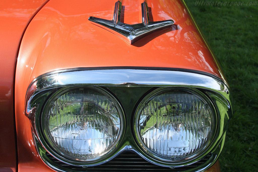 Windshield Wrapture: Pontiac Bonneville    - 2008 EyesOn Design