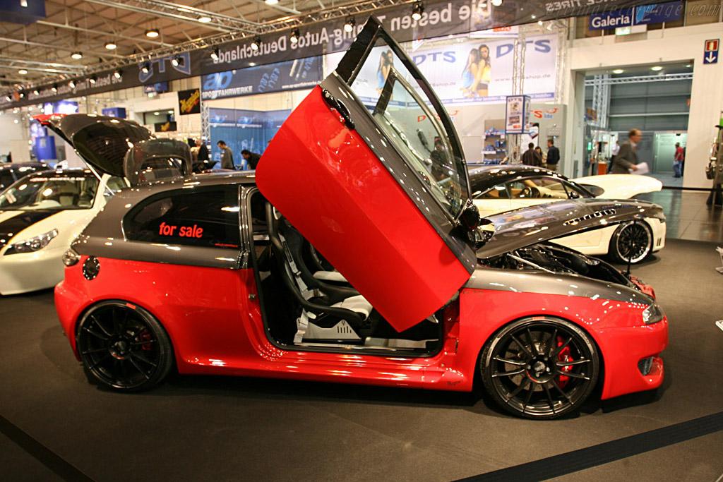 One door fits all    - 2007 Essen Motor Show