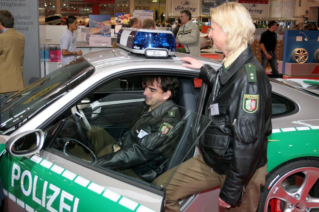Eins, Zwei, Polizei    - 2005 Essen Motor Show