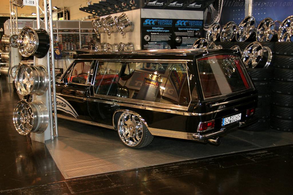 Pimp my hearse    - 2005 Essen Motor Show