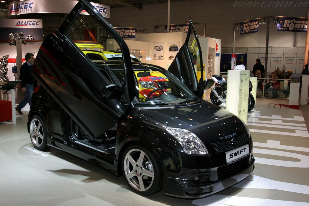 Suzuki Swift Wings    - 2005 Essen Motor Show