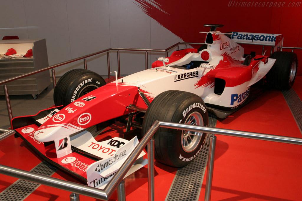 Toyota F1    - 2005 Essen Motor Show