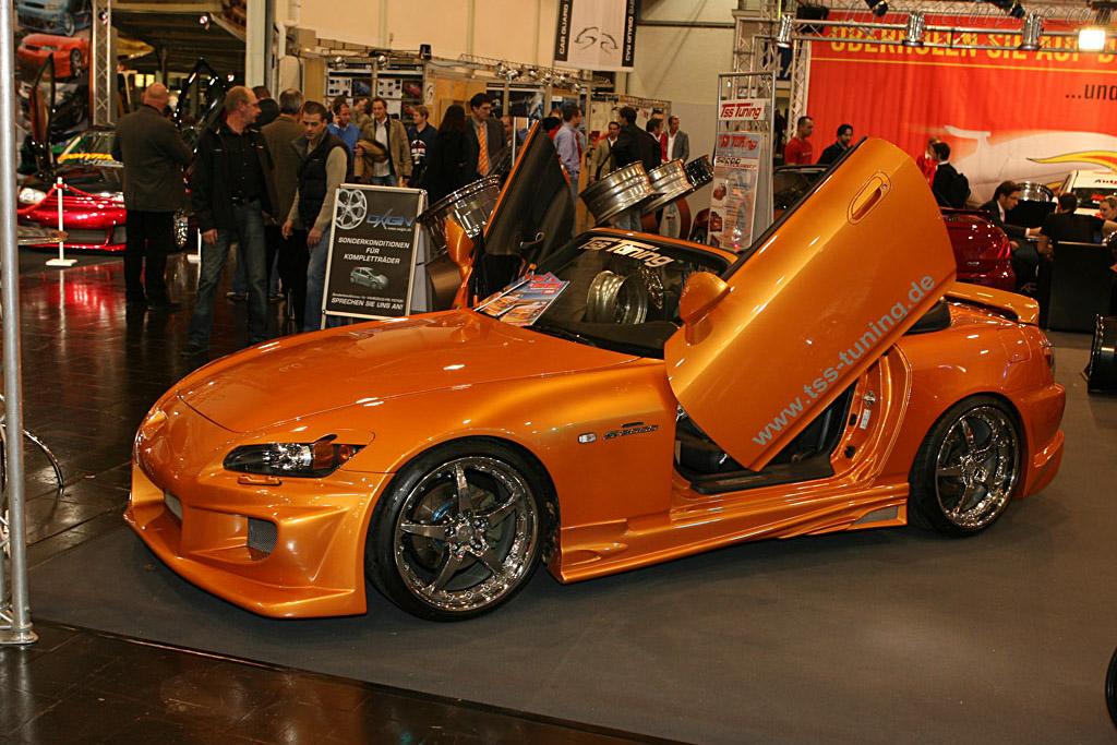 An obvious improvement    - 2006 Essen Motor Show