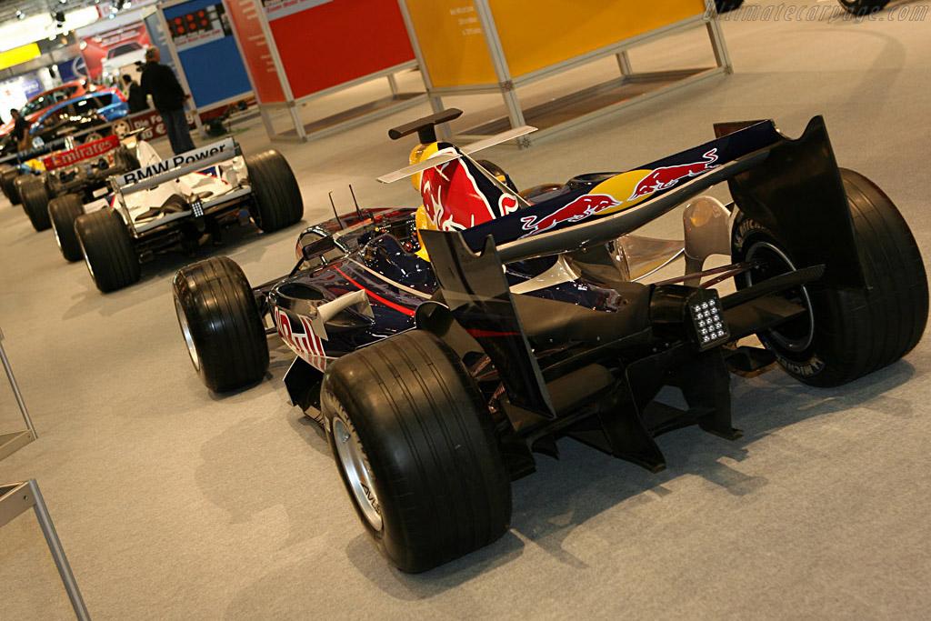 Red Bull Racing RB2    - 2006 Essen Motor Show