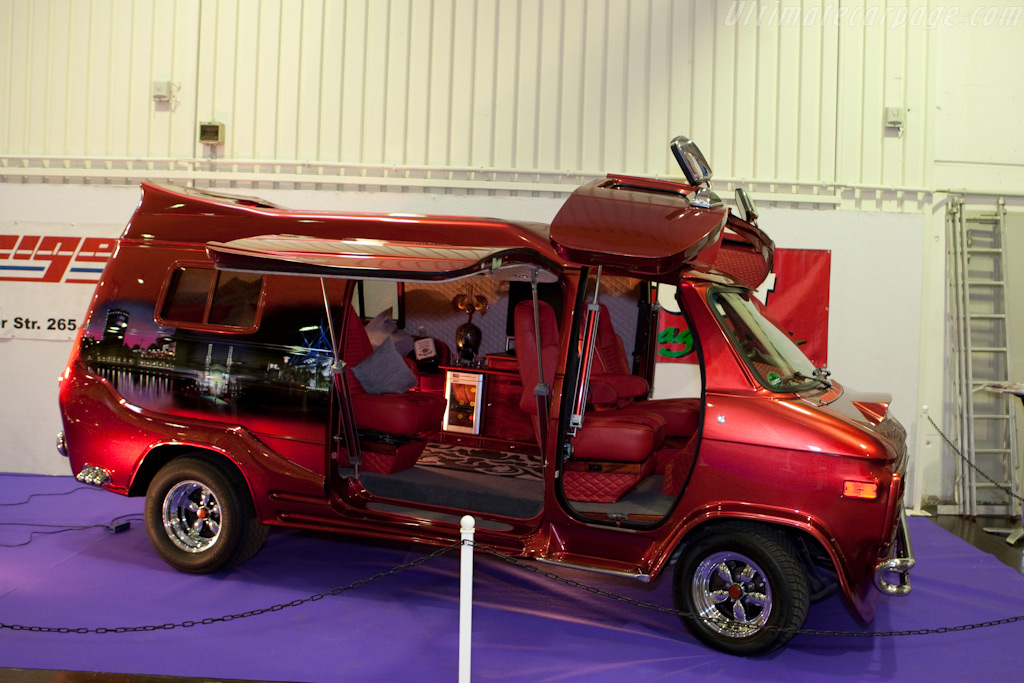 I love it when a van comes together    - 2009 Essen Motor Show