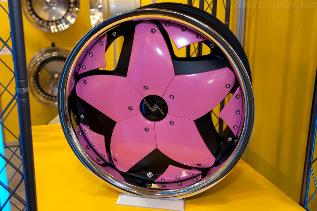 Pink ..    - 2009 Essen Motor Show