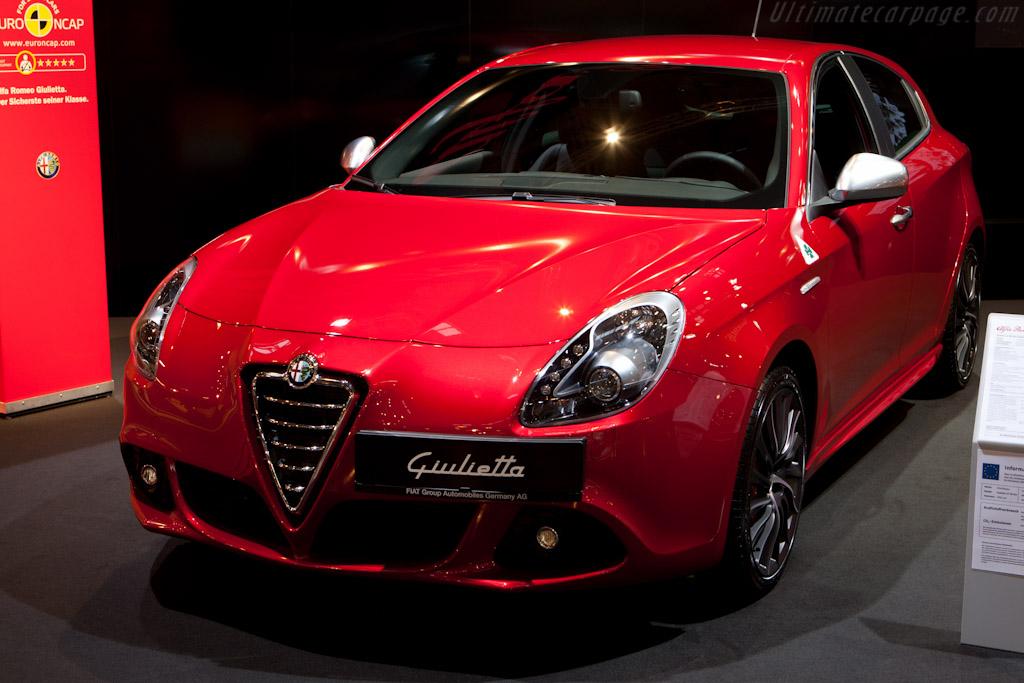 Alfa Romeo Giulietta    - 2010 Essen Motor Show