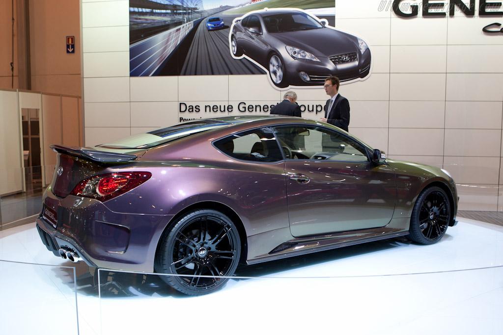 Hyundai Genesis Coupe    - 2010 Essen Motor Show