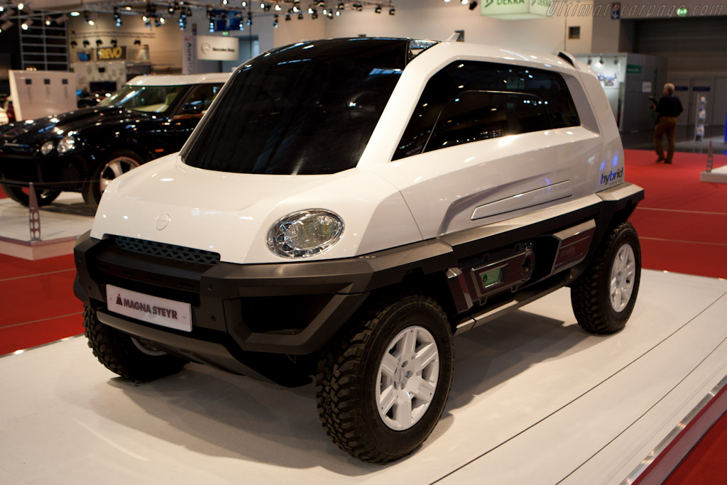 Magna Steyr Concept    - 2010 Essen Motor Show
