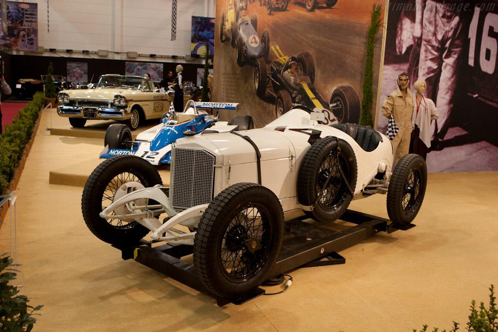 Mercedes Indy    - 2011 Essen Motor Show