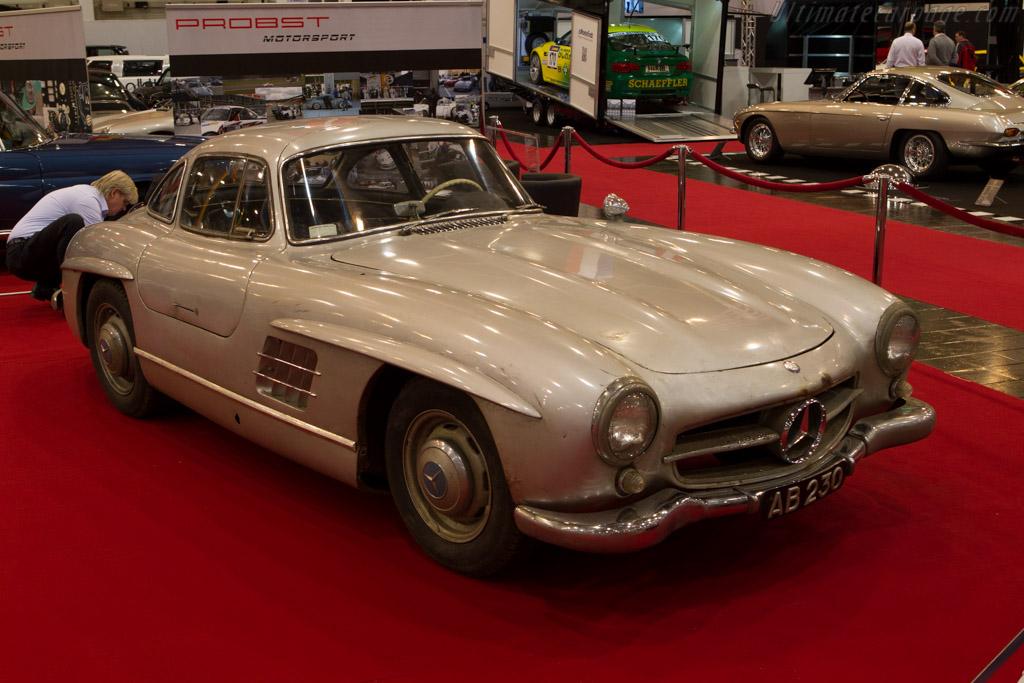 Mercedes benz 300 sl 2013 essen motor show for Mercedes benz lease return