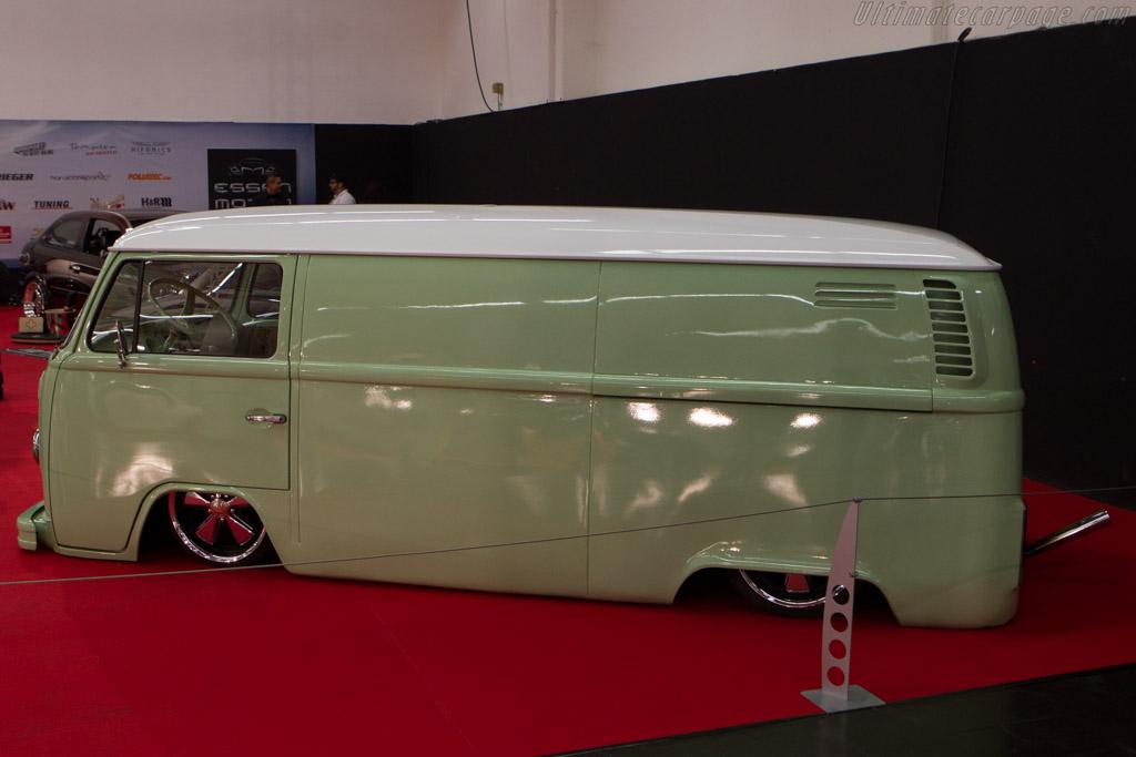 Volkswagen Bus    - 2013 Essen Motor Show