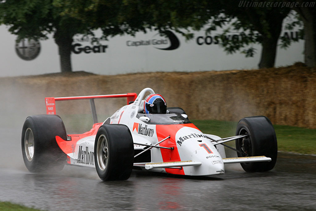 Penske PC19 - Chassis: PC19-009   - 2007 Goodwood Festival of Speed