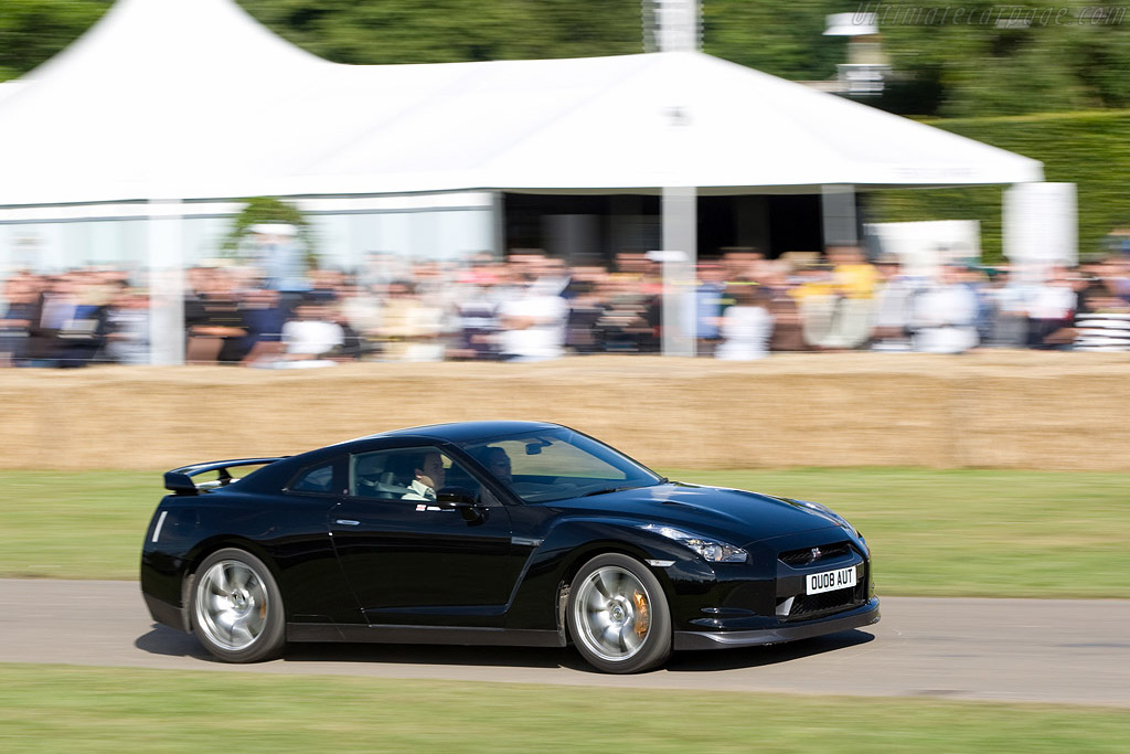Nissan GT-R    - 2008 Goodwood Festival of Speed