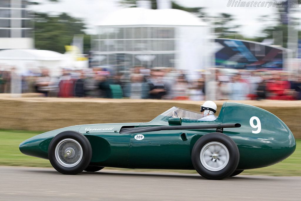 Vanwall VW - Chassis: VW11 - Driver: Stirling Moss  - 2008 Goodwood Festival of Speed