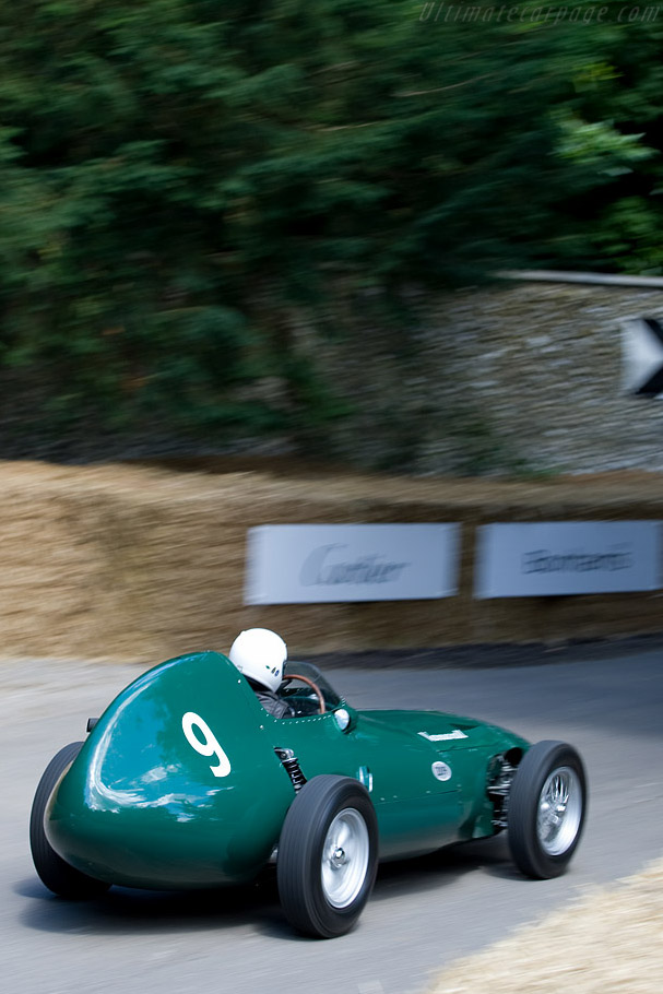 Vanwall VW - Chassis: VW11 - Driver: Rob Hall  - 2008 Goodwood Festival of Speed
