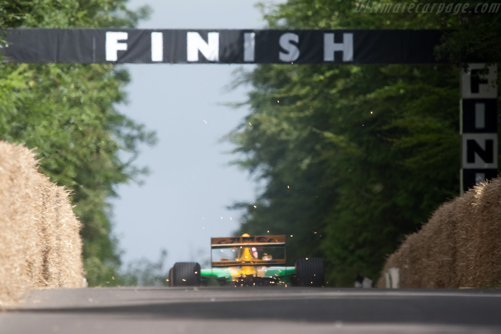 Benetton B192 Ford - Chassis: B192-8 - Driver: Lorina McLaughlin  - 2009 Goodwood Festival of Speed