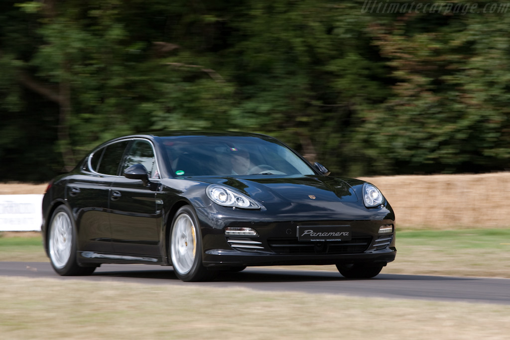 Porsche Panamera S    - 2009 Goodwood Festival of Speed