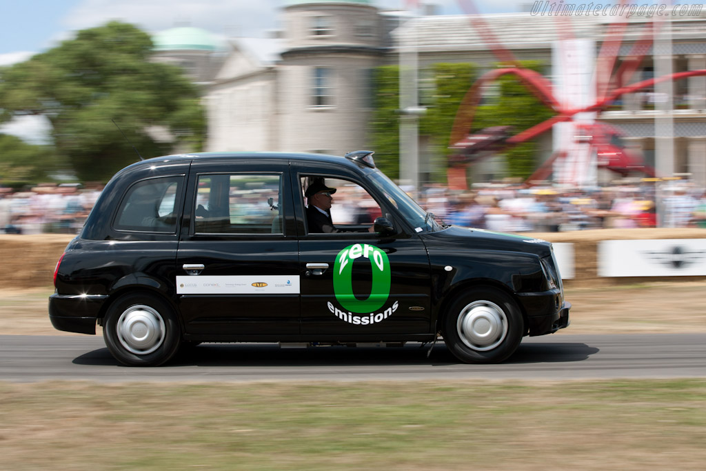 London Taxi Fuel-Cell    - 2010 Goodwood Festival of Speed