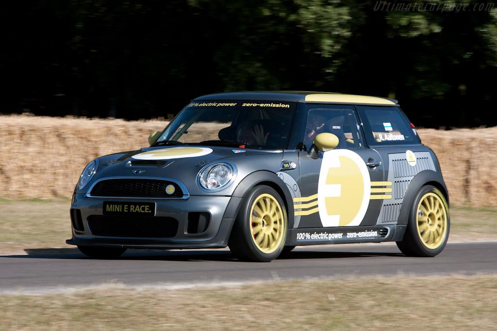 Mini E Race    - 2010 Goodwood Festival of Speed