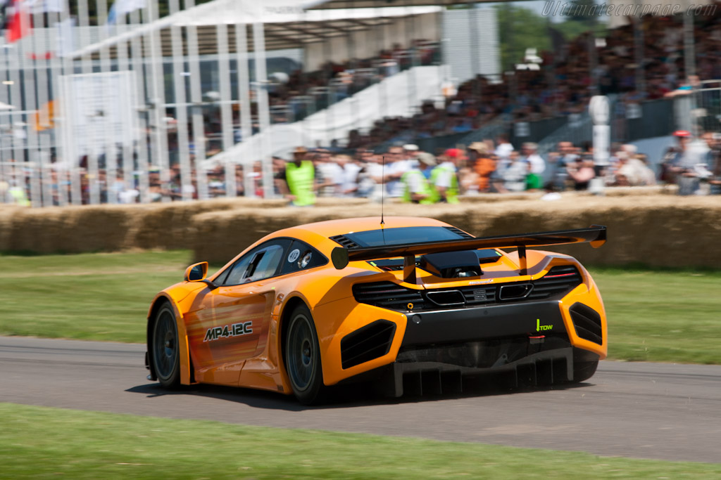 Foto additionally Wallpaper 71 also 18 also Hamilton And Button Drive New Mclaren At Goodwood Pictures besides Mclaren Mp4 12c. on mclaren mp4 12c