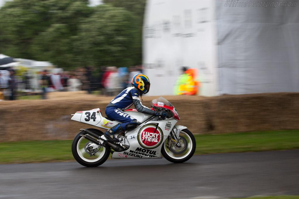 Suzuki RGV500    - 2012 Goodwood Festival of Speed