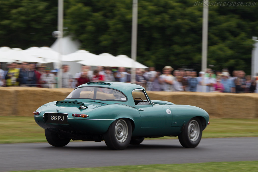 Jaguar E-Type Lightweight - Chassis: S850661 - Driver: Tony Dron  - 2013 Goodwood Festival of Speed
