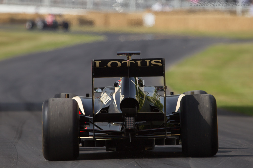 Lotus R30 Renault  - Driver: Romain Grosjean  - 2013 Goodwood Festival of Speed