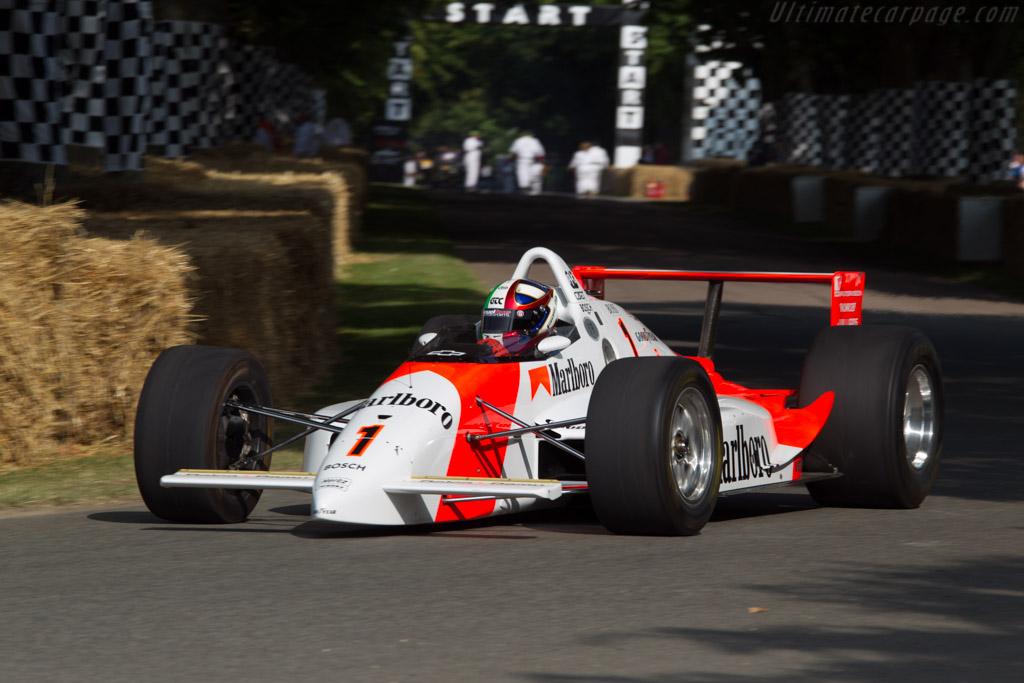 Penske PC19 Ilmor - Chassis: PC19-009 - Entrant: Patrick Morgan - Driver: Marino Franchitti  - 2013 Goodwood Festival of Speed