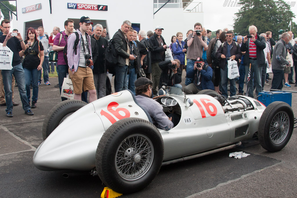 Mercedes-Benz W165 - Chassis: 449547/2 - Entrant: Mercedes-Benz Classic  - 2014 Goodwood Festival of Speed