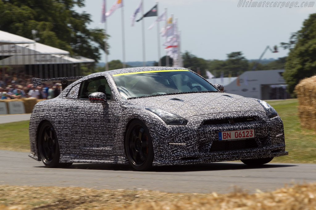 Nissan GT-R Nismo    - 2014 Goodwood Festival of Speed