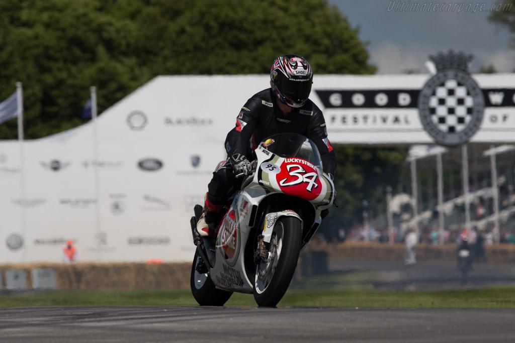 Suzuki RGV500  - Entrant: Suzuki Classic Race Team  - 2014 Goodwood Festival of Speed