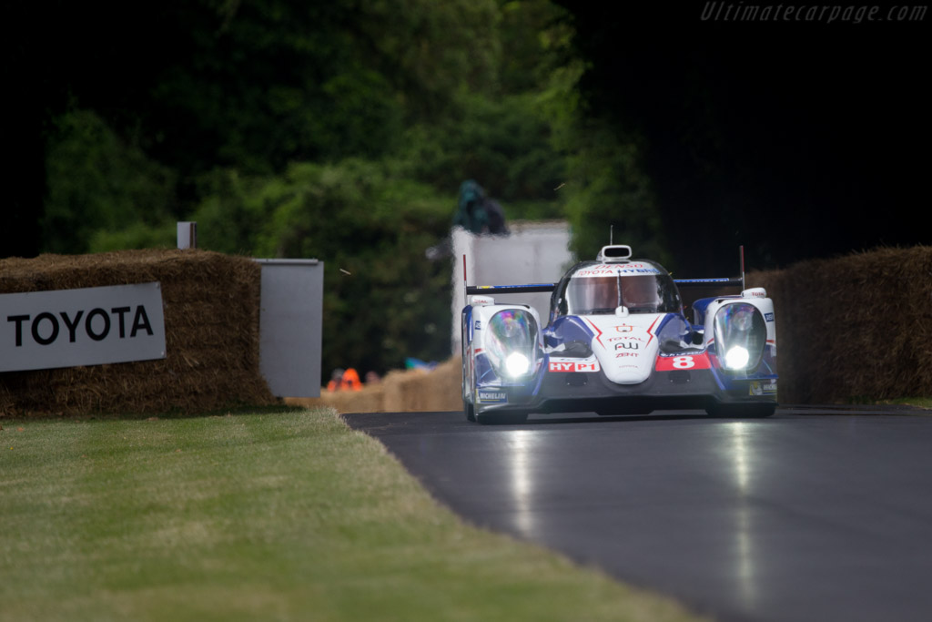 Toyota TS040 Hybrid - Chassis: 1401 - Entrant: Toyota Motor Company - Driver: Anthony Davidson  - 2014 Goodwood Festival of Speed