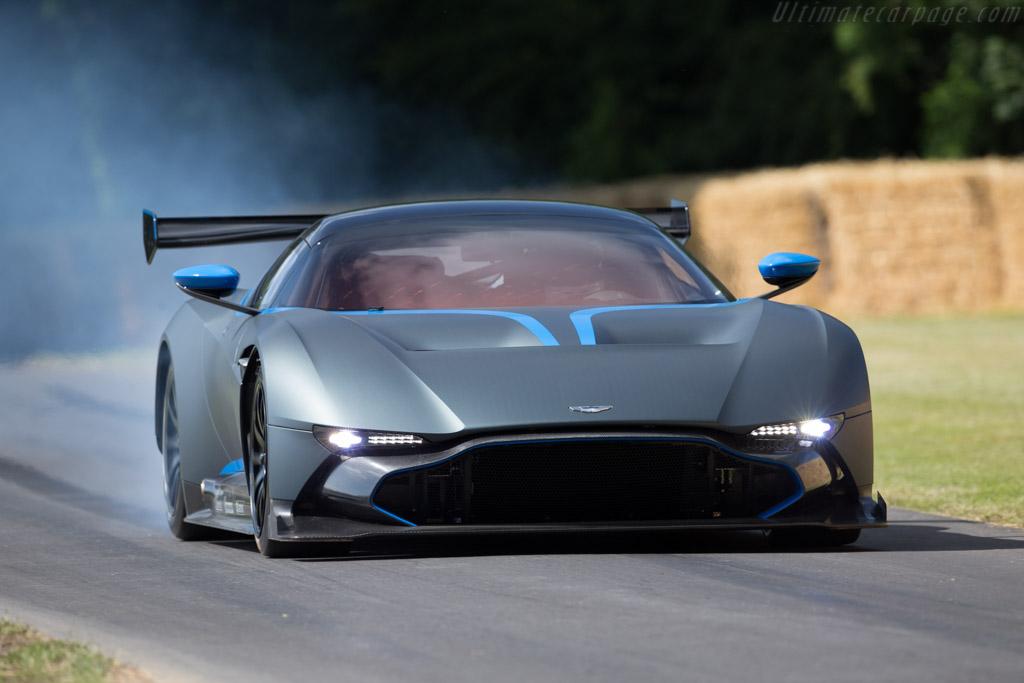 Aston Martin Vulcan - Chassis: 1 - Driver: Darren Turner  - 2015 Goodwood Festival of Speed