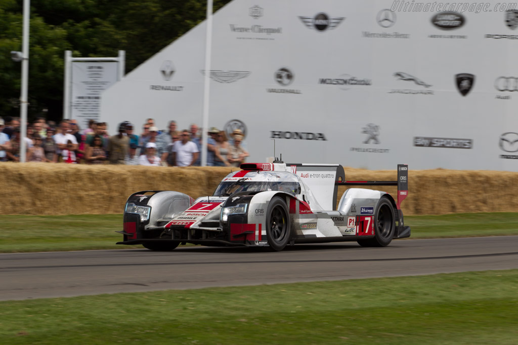Audi R18 e-tron quattro  - Entrant: Audi Tradition - Driver: Benoit Treluyer  - 2015 Goodwood Festival of Speed