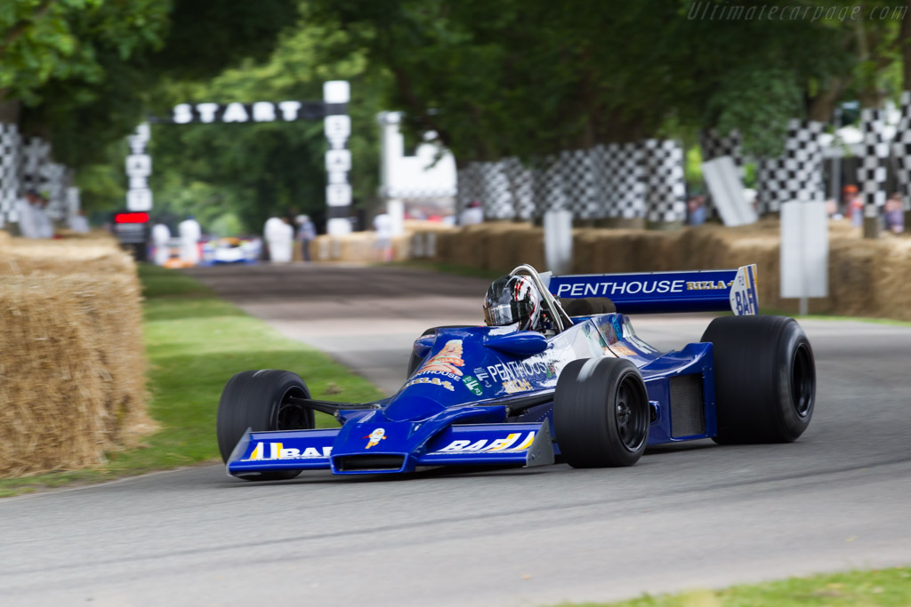 Hesketh 308E Cosworth - Chassis: 308E / 1 - Driver: Michael Lyons  - 2015 Goodwood Festival of Speed