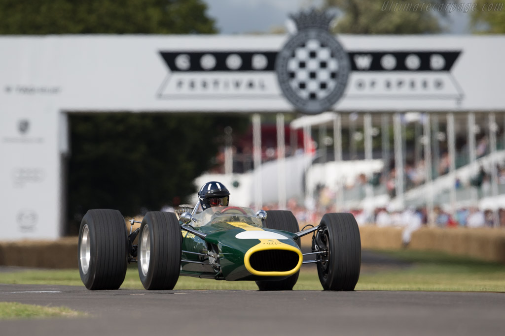 Lotus 49 Cosworth - Chassis: R3 - Entrant: National Motor Museum - Driver: Damon Hill  - 2015 Goodwood Festival of Speed