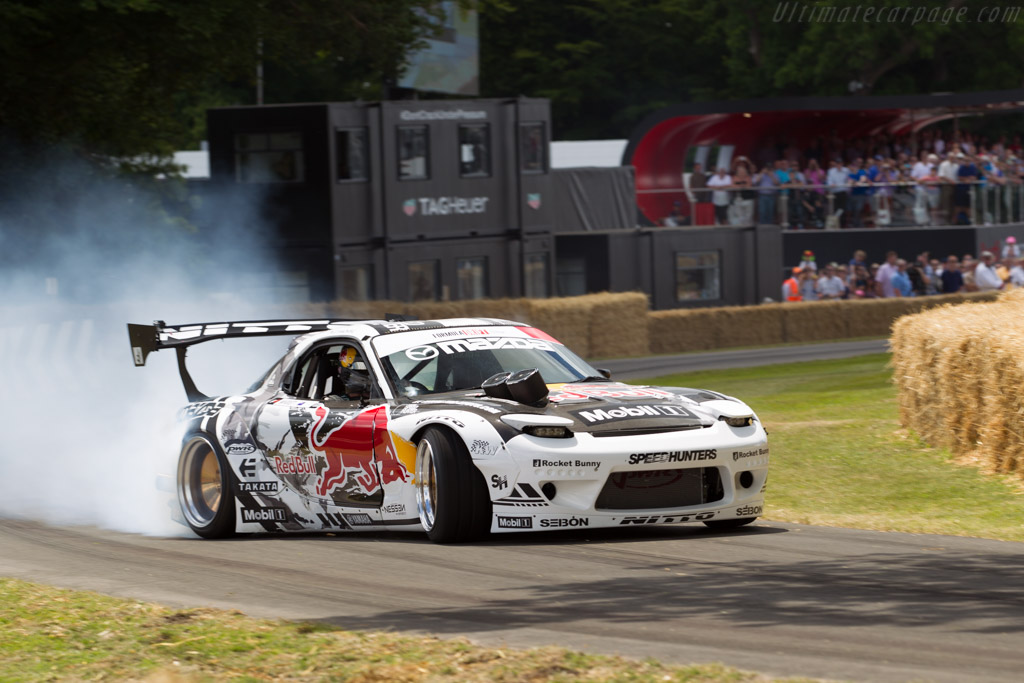 Mazda FD RX-7  - Entrant: Red Bull Motorsports - Driver: Mike Whiddett  - 2015 Goodwood Festival of Speed