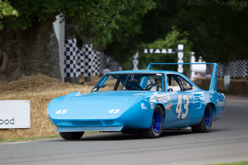 Plymouth Superbird  - Entrant: Richard Petty - Driver: Kenny Brack  - 2015 Goodwood Festival of Speed