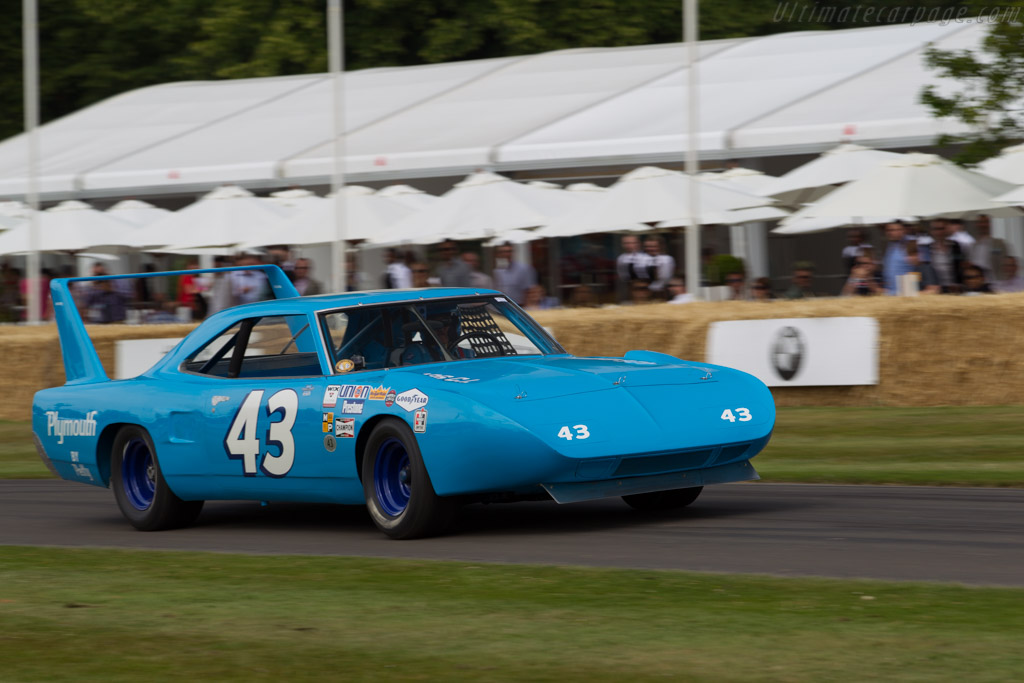 Plymouth Superbird  - Driver: Richard Petty  - 2015 Goodwood Festival of Speed